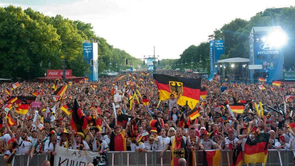wlan mieten für event in berlin fanmeile 2014 deutschland fussball weltmeister hyundai fanpark